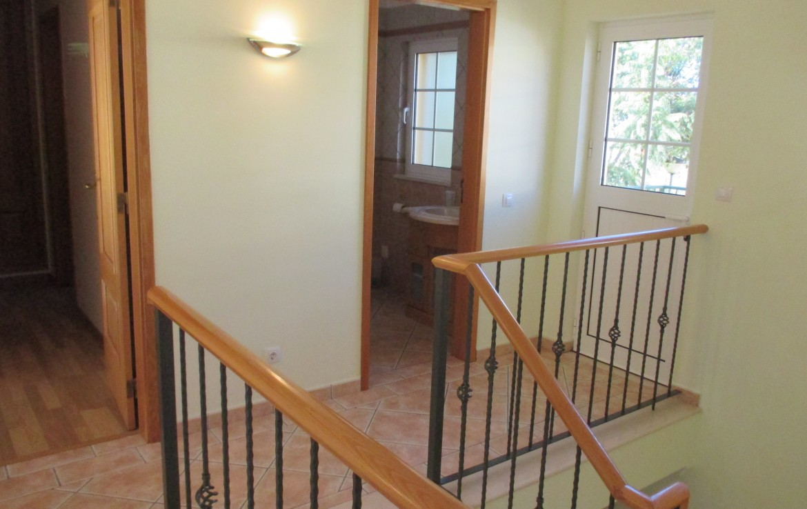 Spacious 3-bedroom Townhouse in Paderne for rent