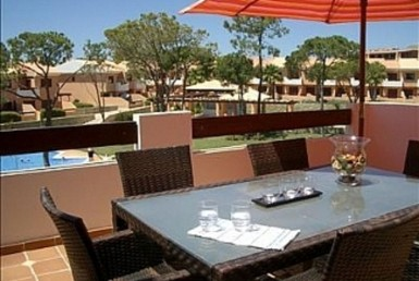 Modern 2-bed apartment on top Algarve golf course resort to rent