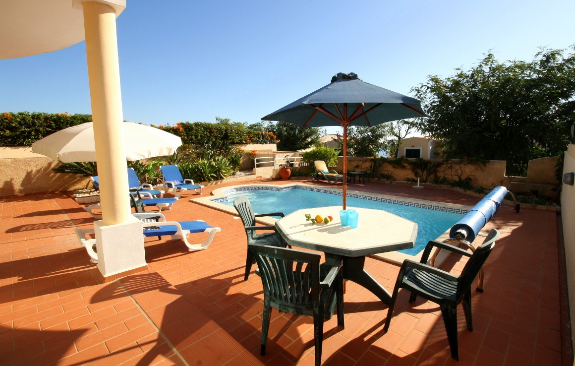 Luxury semi-detached villa in Praia da Luz rent