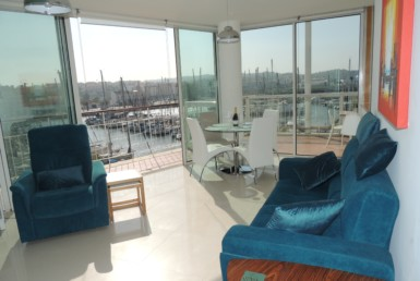 Penthouse unique location at Lagos marina to rent