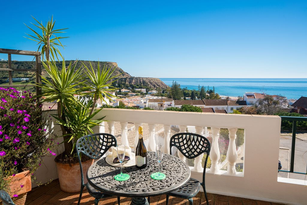 Stunning sea views apartment in Luz to rent