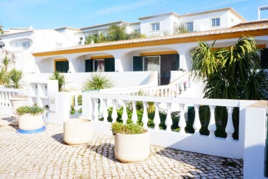 1 and 2-bedroom cottages in the heart of Praia da Luz to rent